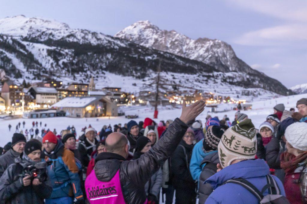 Route de l'exil - Face à l'«État barbare», la colère monte dans les Alpes