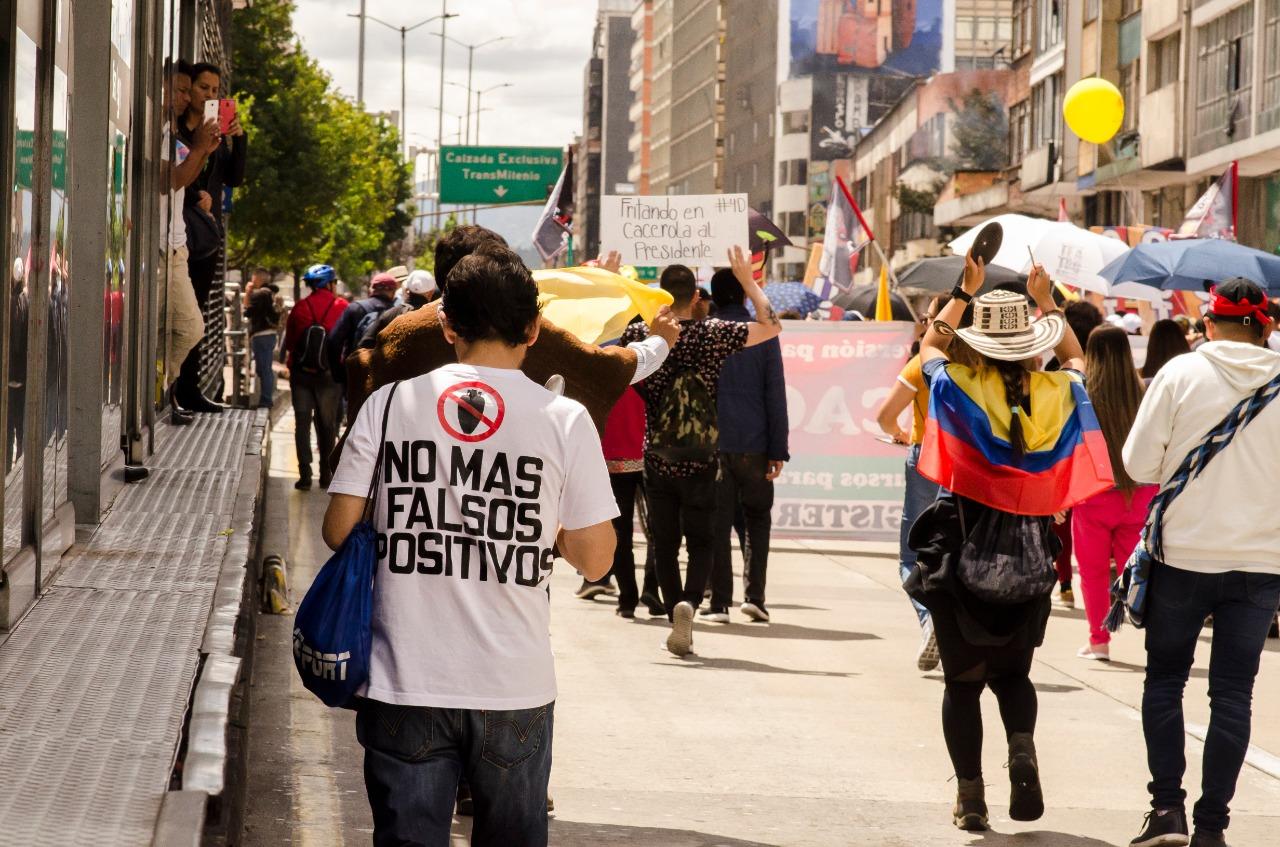 Détention d'Uribe: la Colombie affronte ses démons