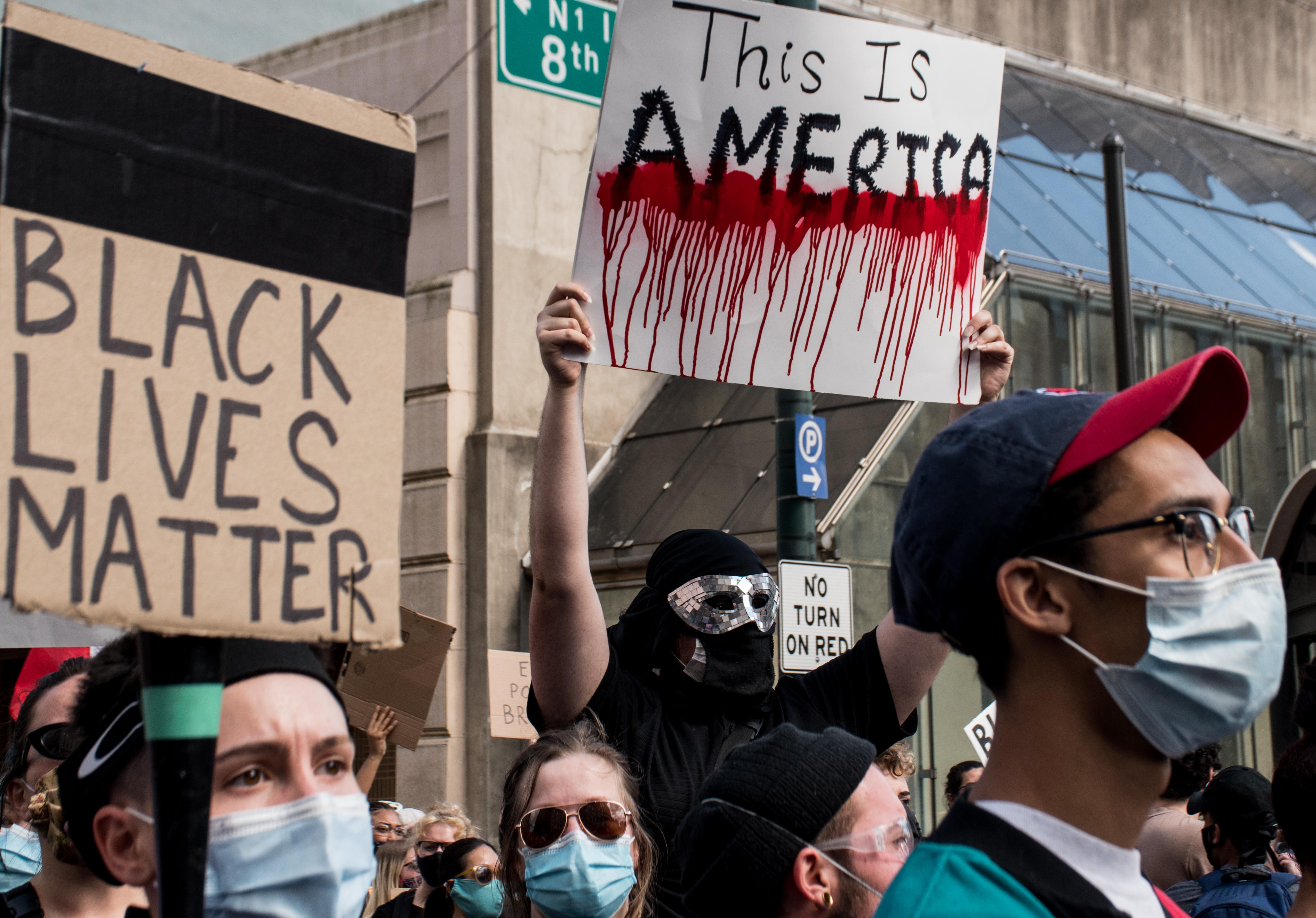 Soulèvement aux États-Unis: de l'antiracisme au socialisme? | Nicolas Martin-Breteau